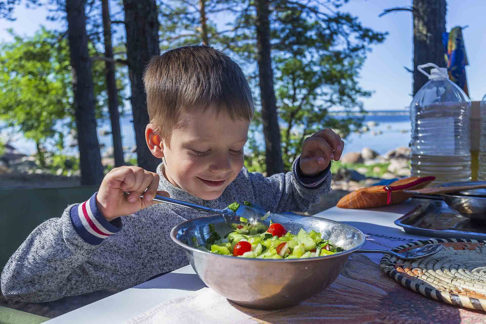 fats and oils in kids nutrition - food pyramid for kids
